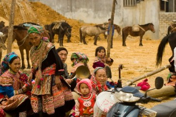 Bac Ha People 2