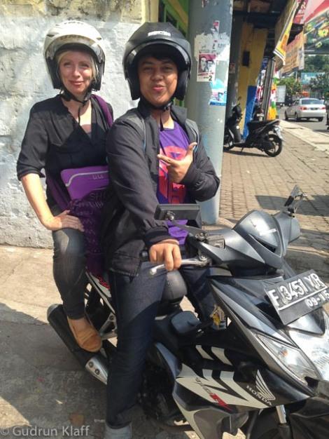 Das Transportmittel in Indonesien - der Motorroller